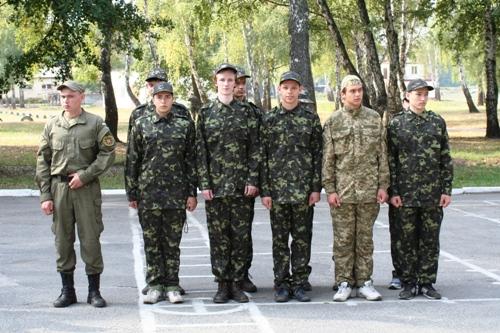 Вітаємо команду з перемогою у військово-спортивній грі - школа №9