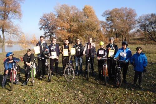 Вітаємо команду СЗШ № 9 з перемогою у змаганнях з велотуризму - школа №9