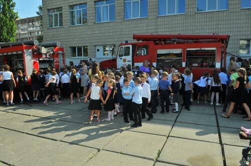 У школі № 9 проведено практичне заняття для учнів з евакуації - школа №9